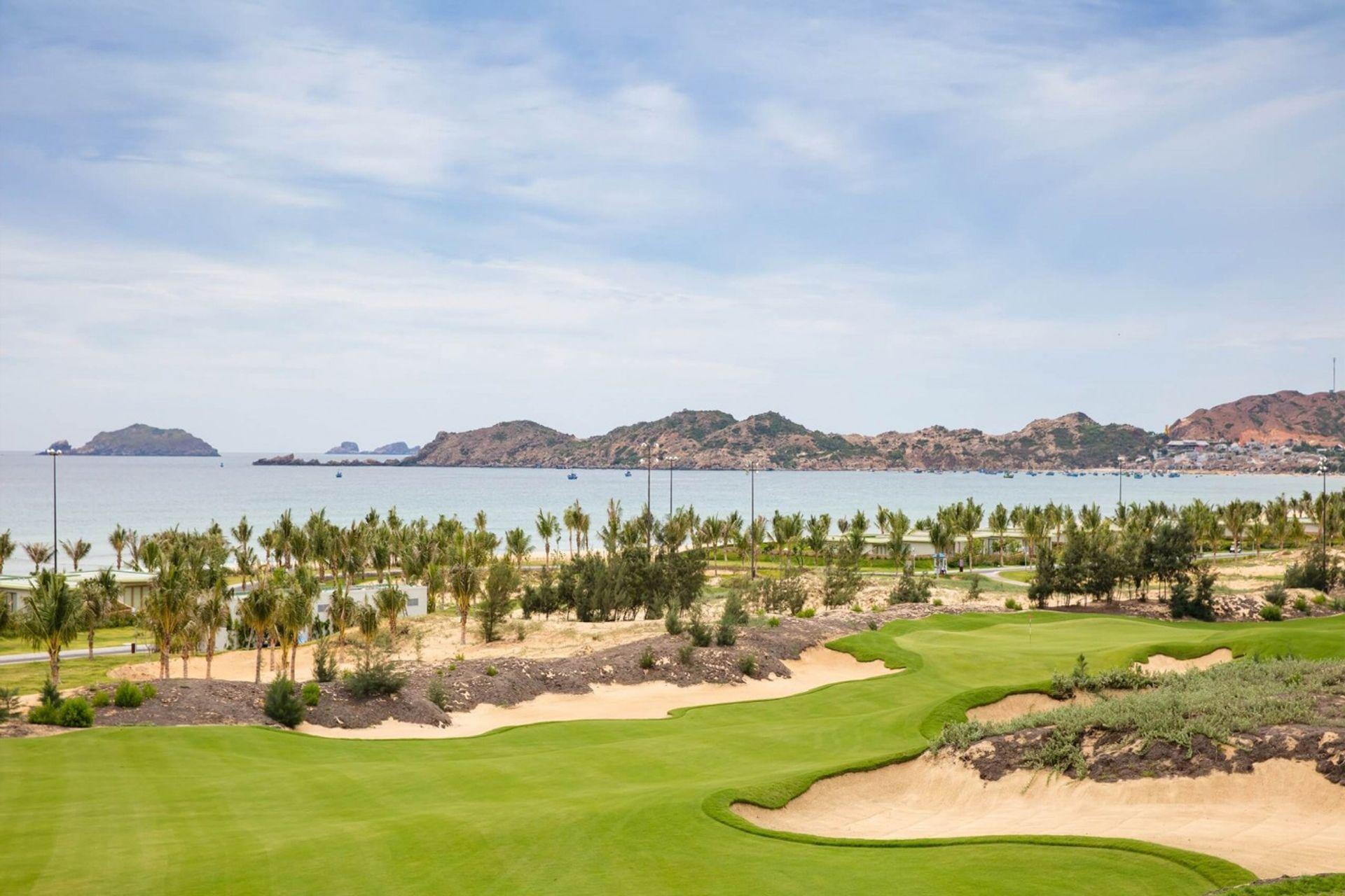 Sân Golf gần khách sạn FLC Quy Nhơn