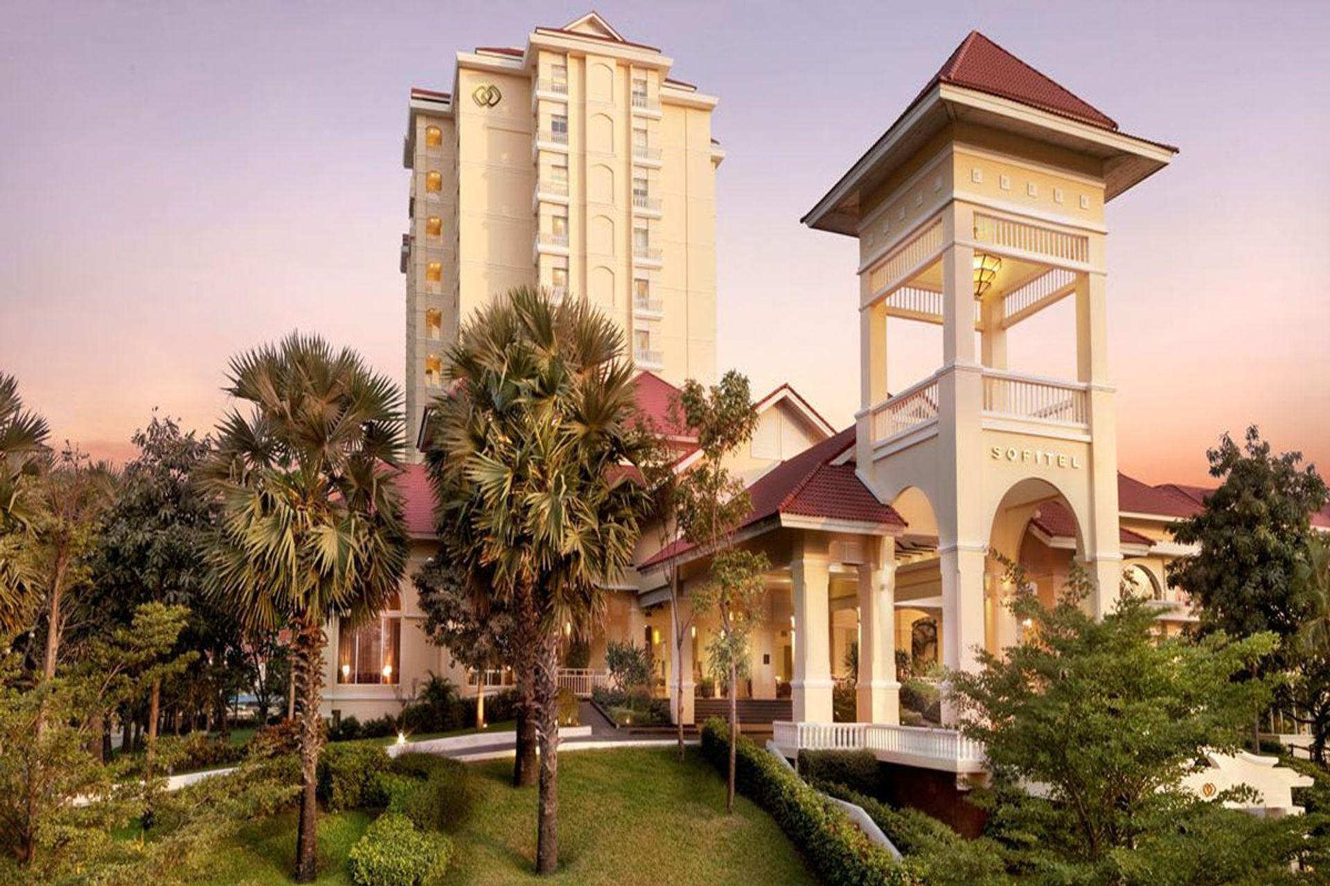 Khách sạn Sofitel Phnom Penh Phokeethra