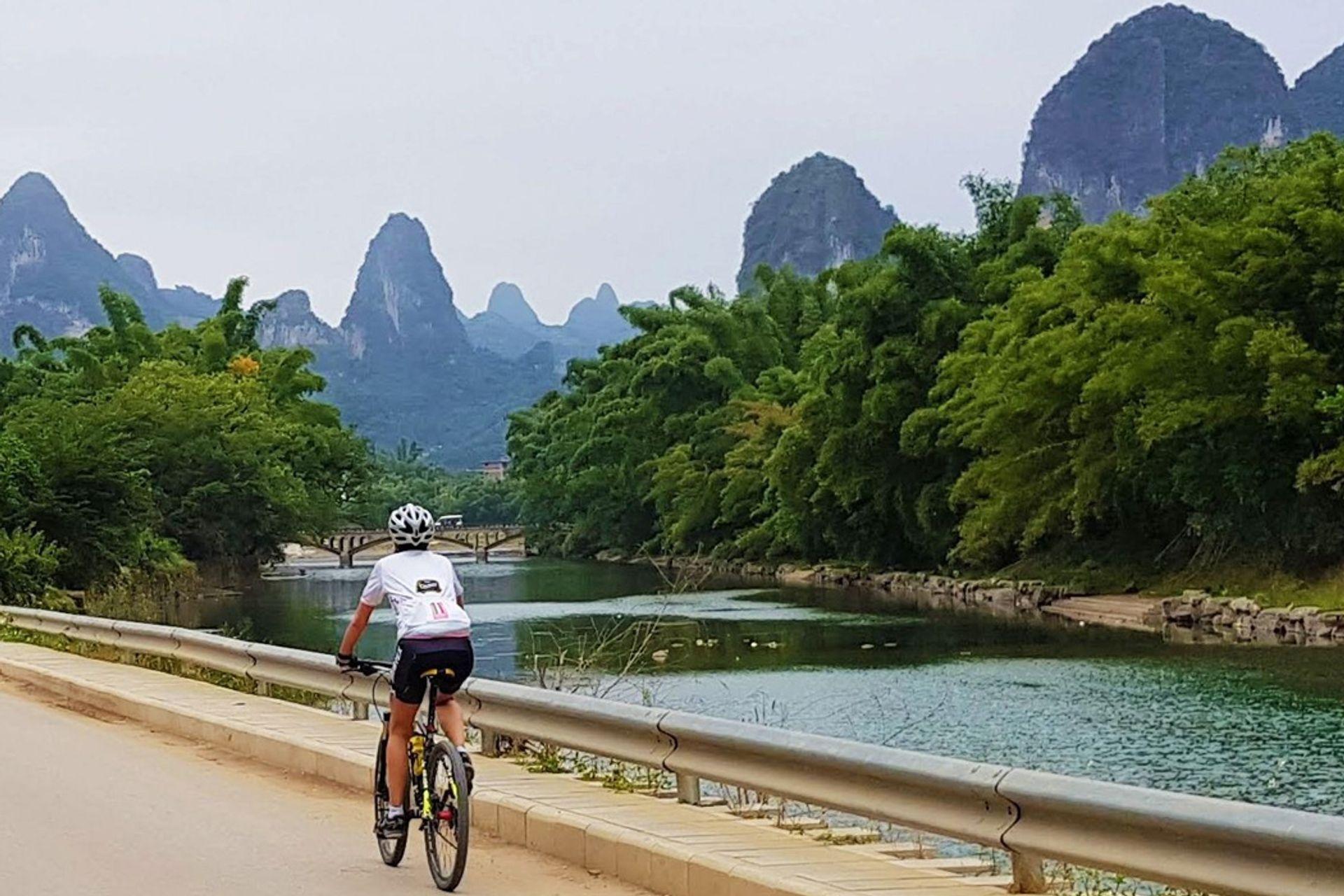 Khám phá Quế Lâm bằng xe đạp