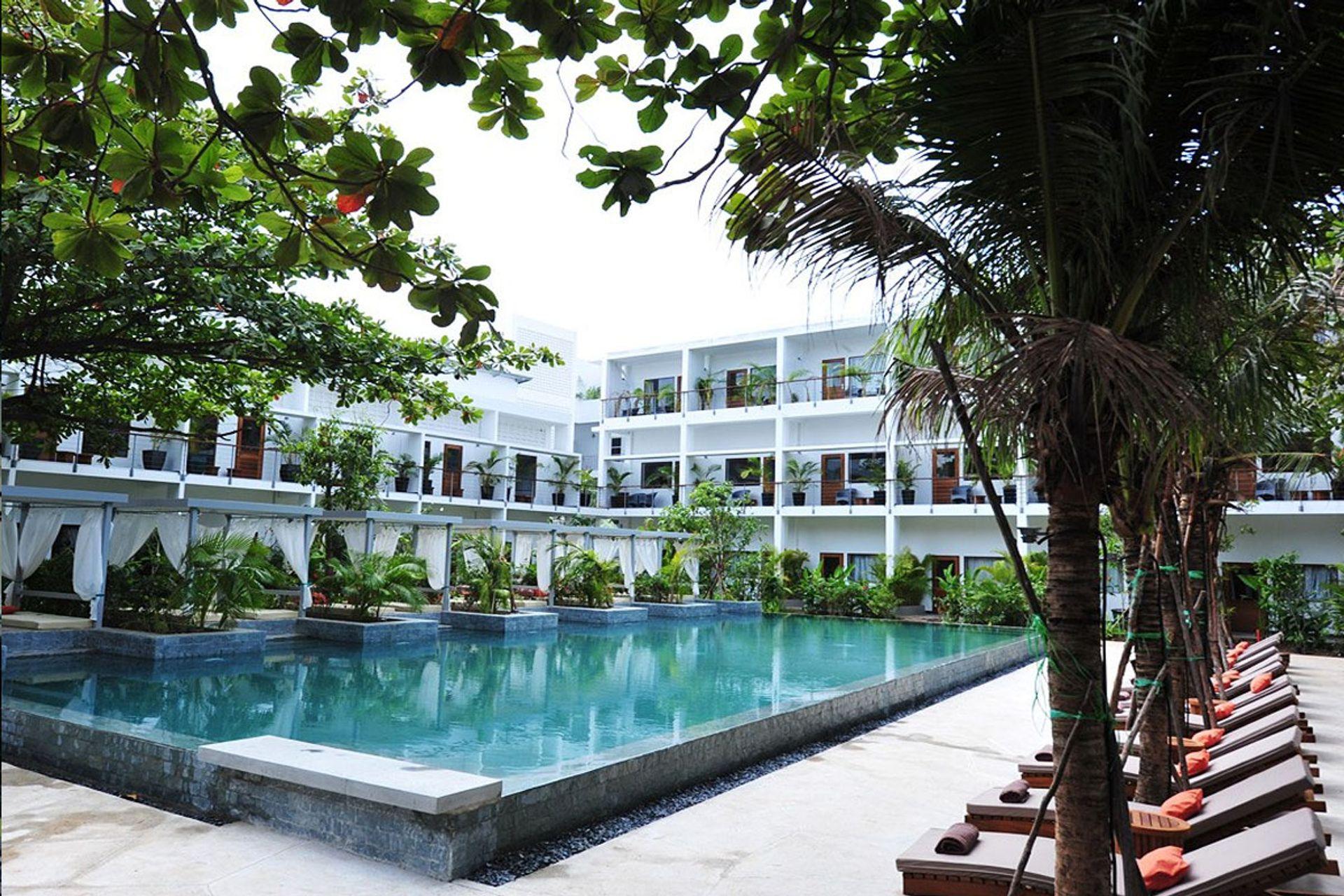 Khách sạn Plantation Urban Resort and Spa