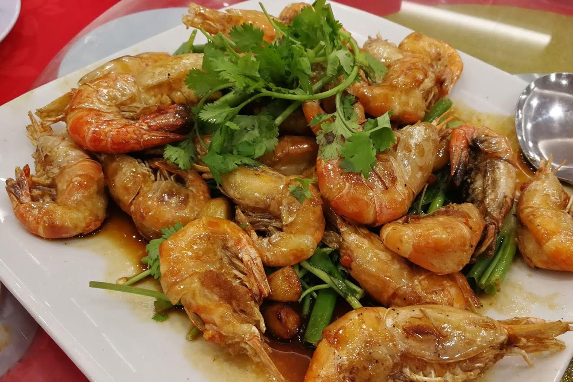 Món ăn làm từ tôm sông Tanjung Tualang
