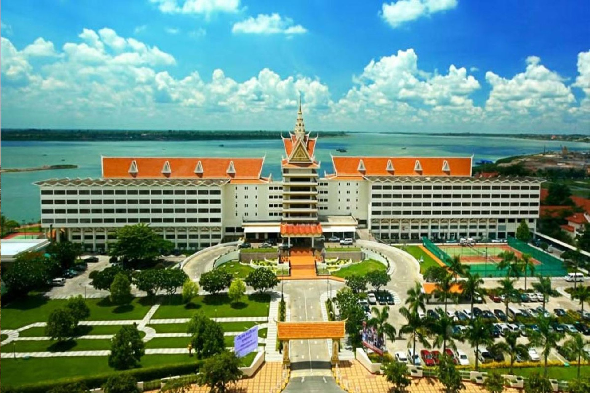 Khách sạn Cambodiana