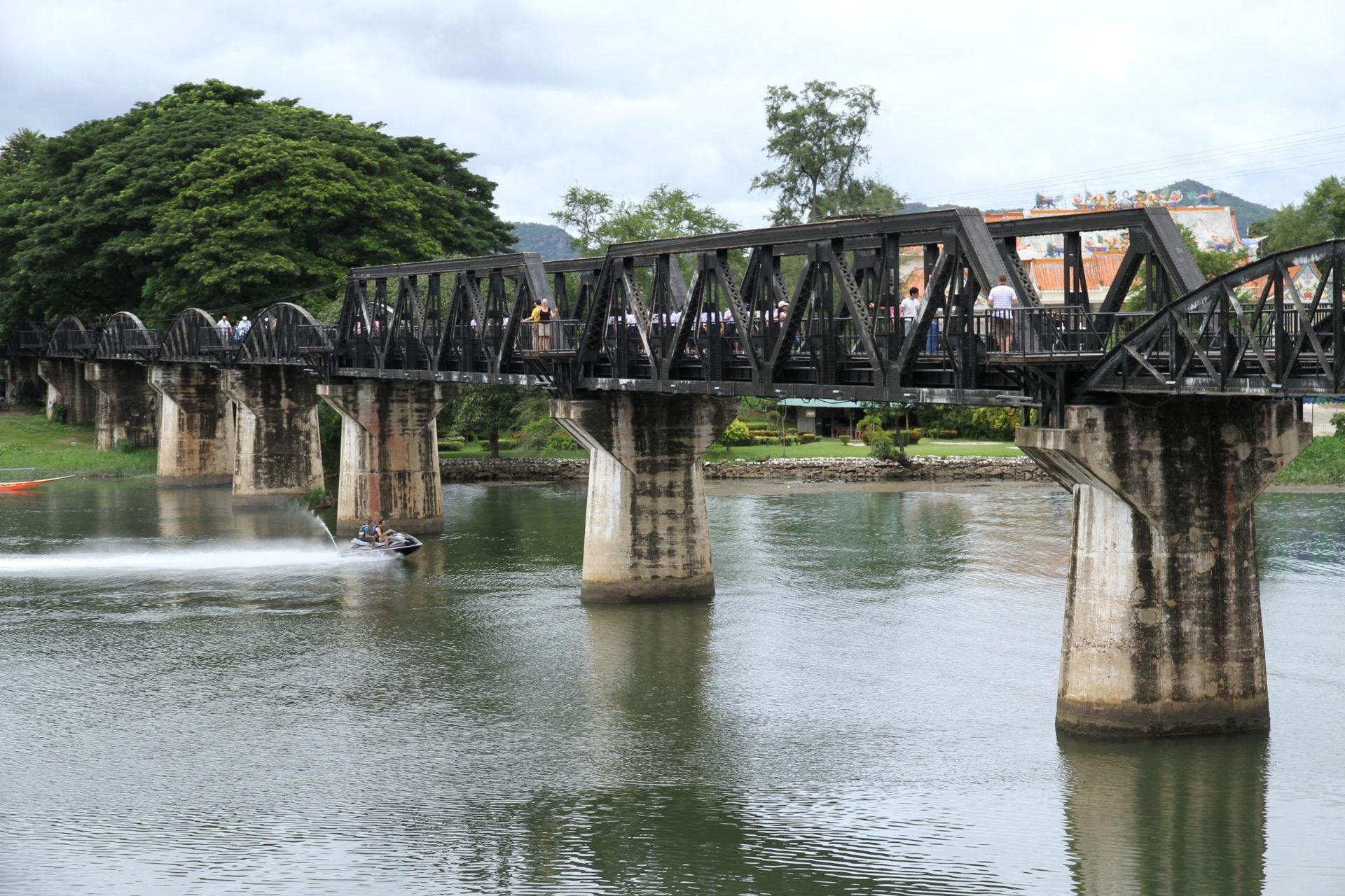 Cây cầu bắc qua sông Kwai