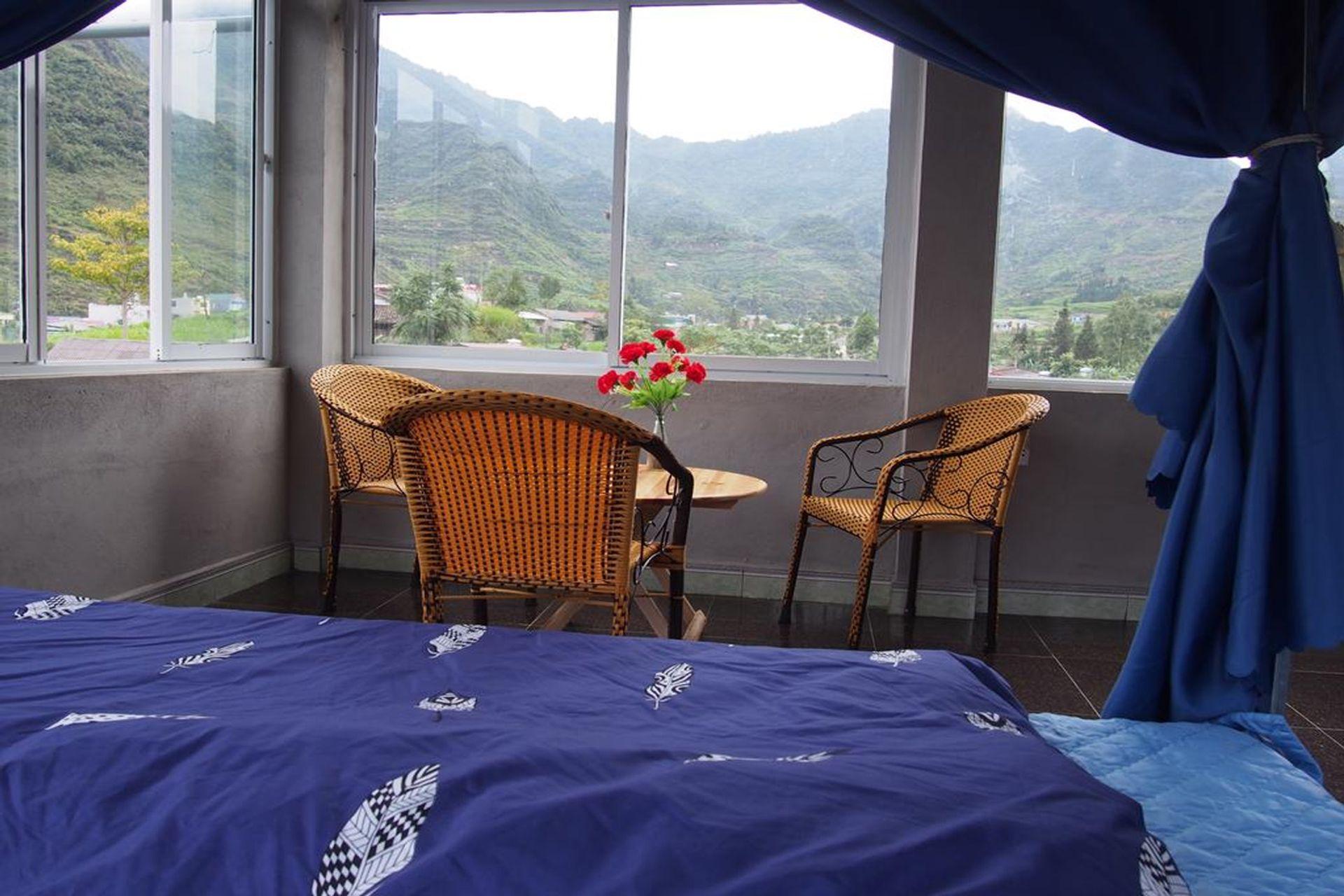 View từ phòng ngủ Little's Yen Homestay
