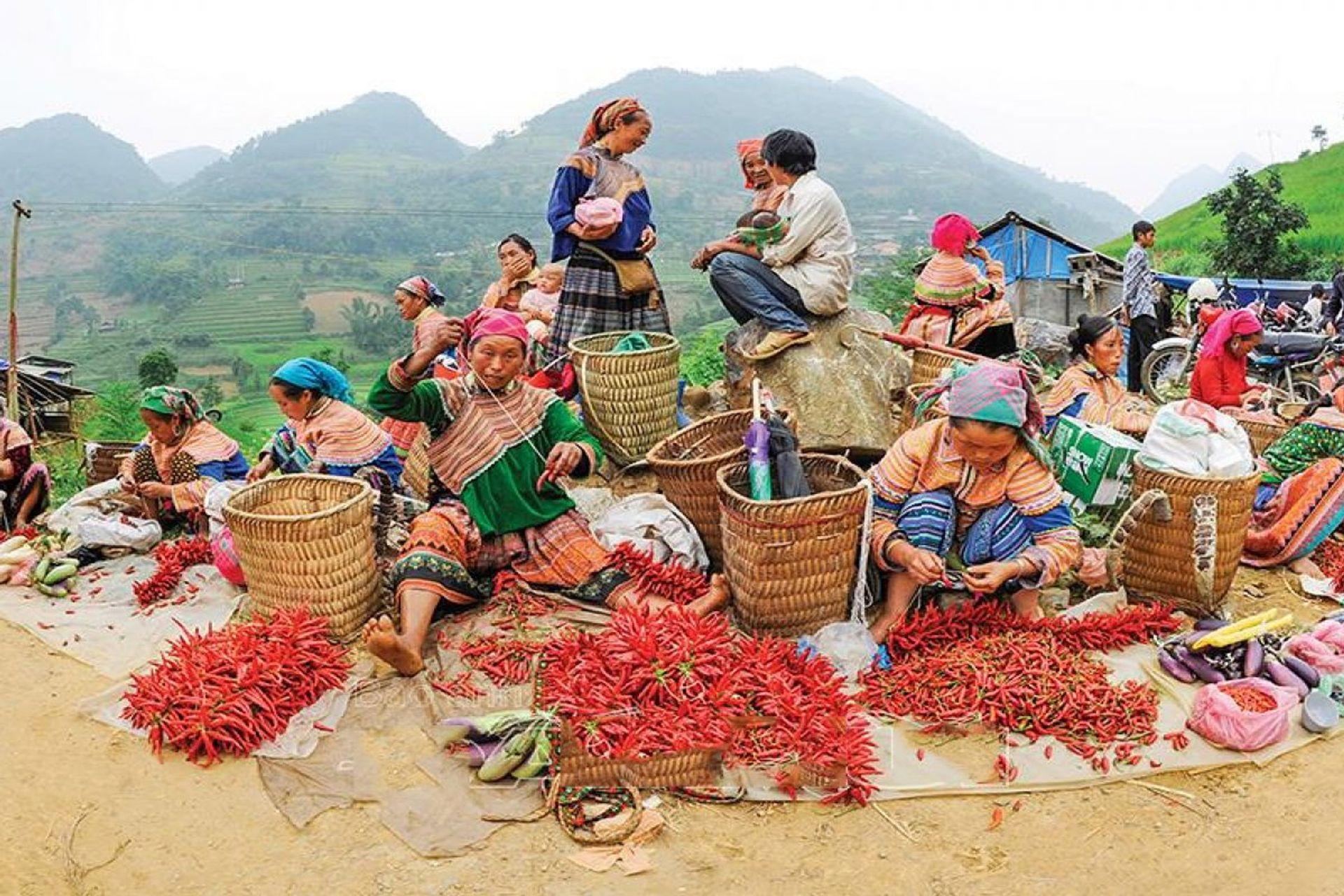 Chợ phiên đã trở thành nét sinh hoạt văn hóa đặc trưng ở Hà Giang