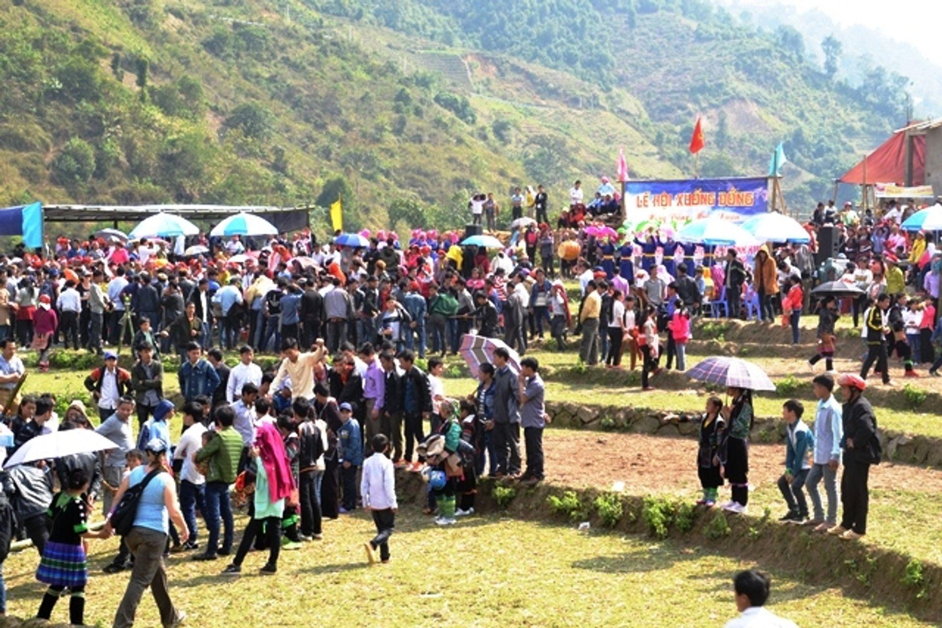 Lễ hội xuống đồng ở Lào Cai
