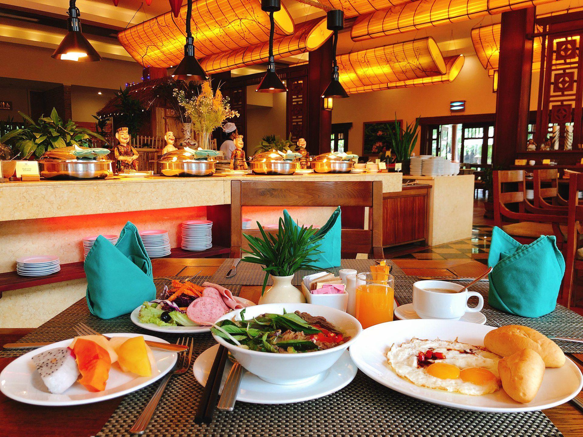 nha hang emeralda ninh binh resort and spa