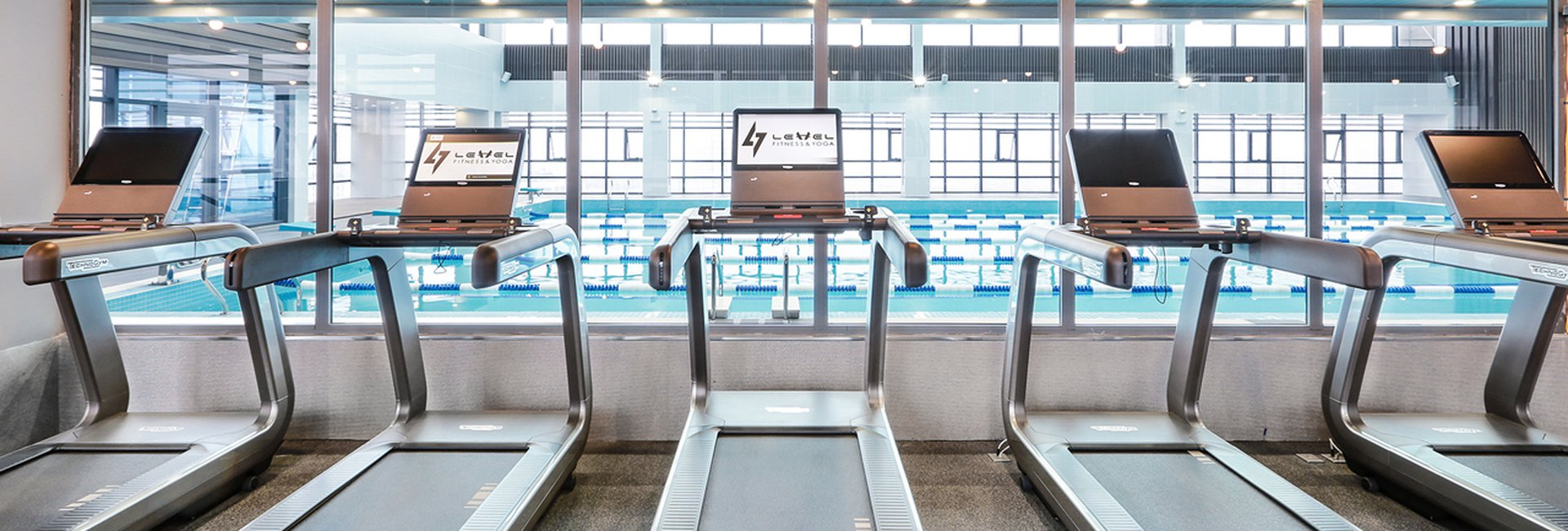 Top 10 bể bơi được giới trẻ yêu thích ở Hà Nội