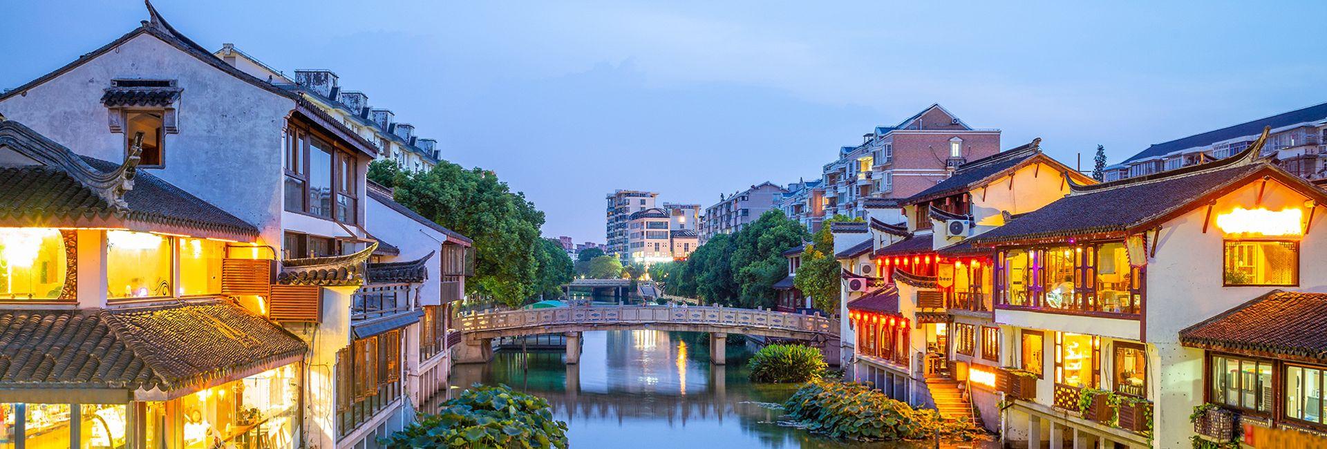 Ở đâu khi đến Thượng Hải? 8 khu vực gần các điểm tham quan