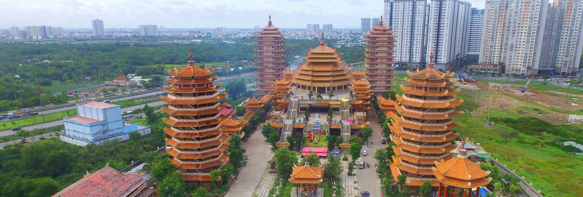 Tham quan Pháp viện Minh Đăng Quang, Sài Gòn