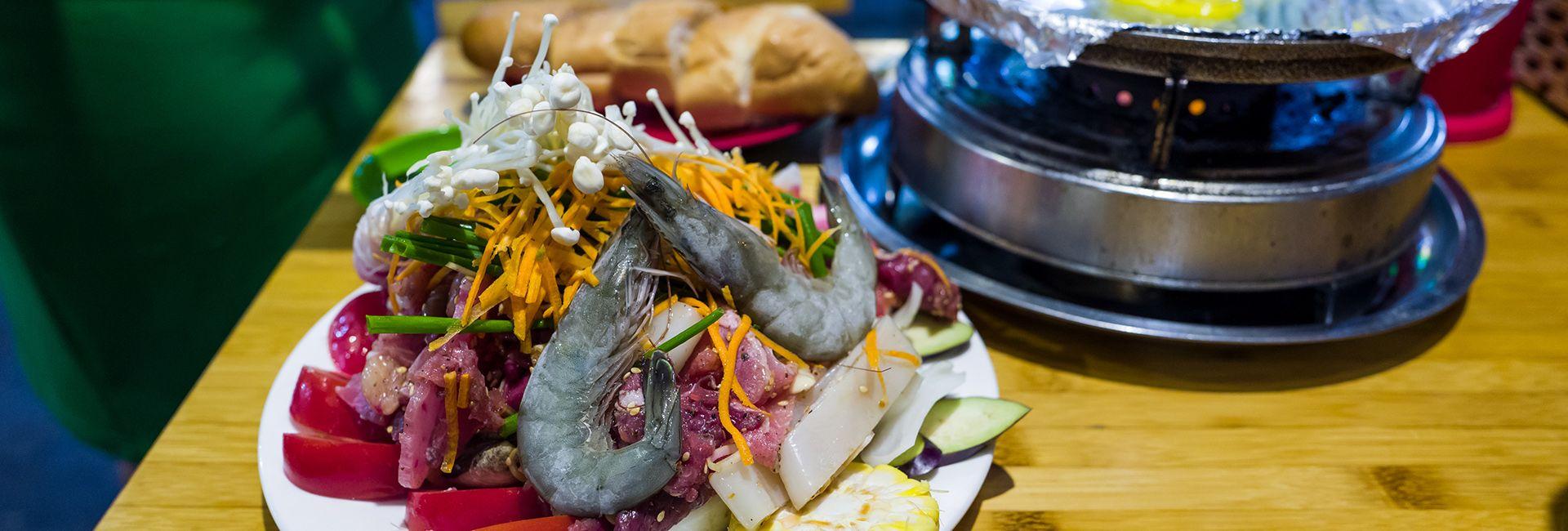 Top 12 quán ăn đêm nổi tiếng Hà Nội cực hút khách