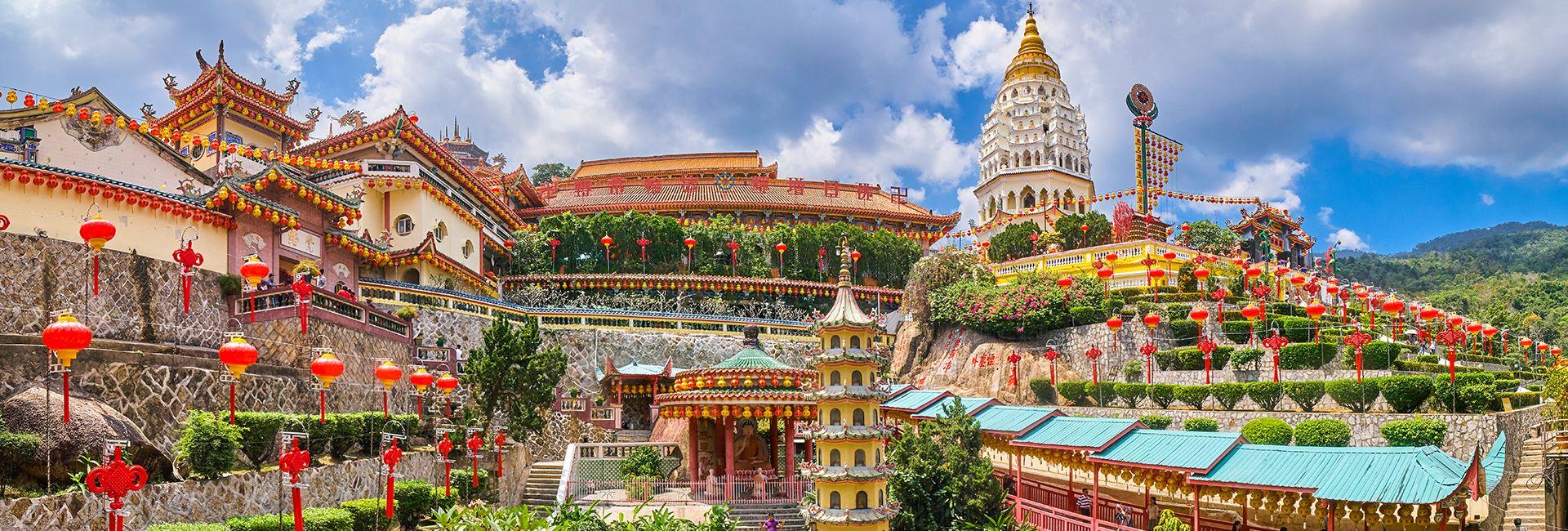 Ghé thăm 15 ngôi đền nổi tiếng nhất tại Malaysia