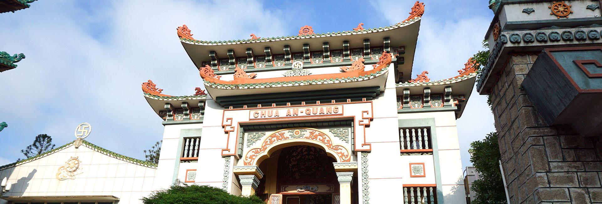 Hướng dẫn tham quan chùa Ấn Quang, Sài Gòn