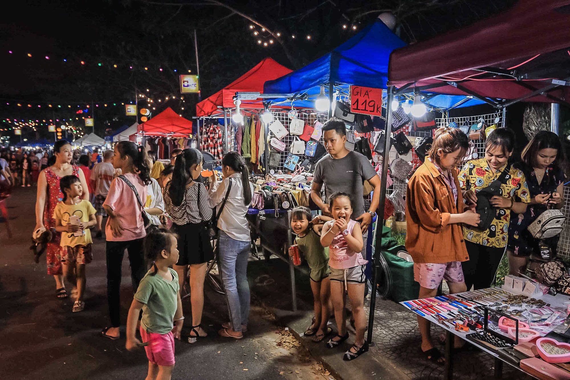 Chợ đêm Thanh Khê Tây
