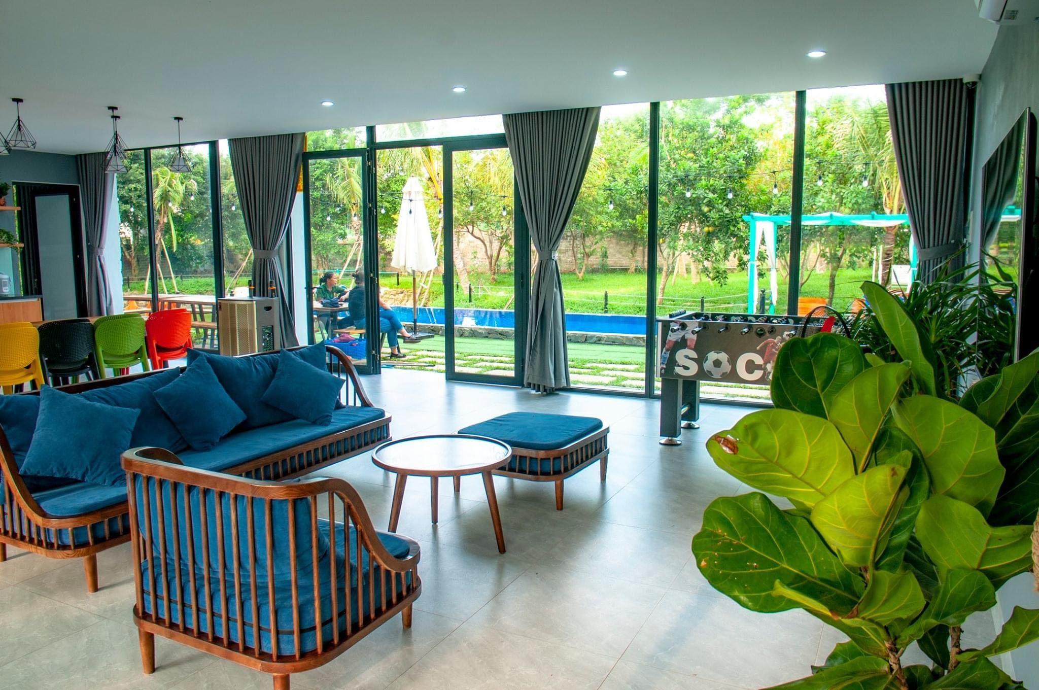 phong-khach-villa-18-tan-view-bungalow-villa-homestay-ba-vi-ha-noi-03