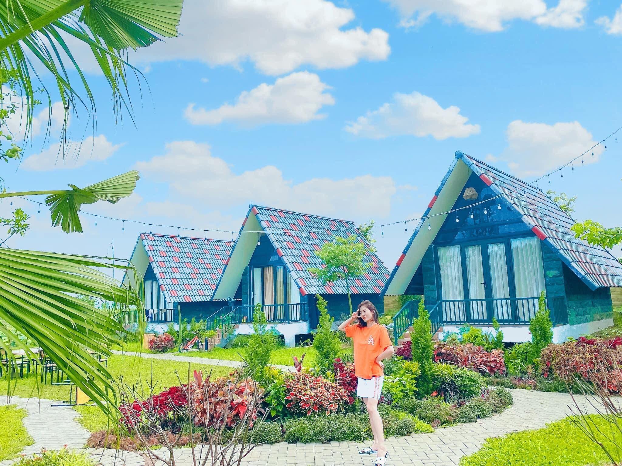 goc-chup-bungalow-sen-villas-homestay-ba-vi-ha-noi