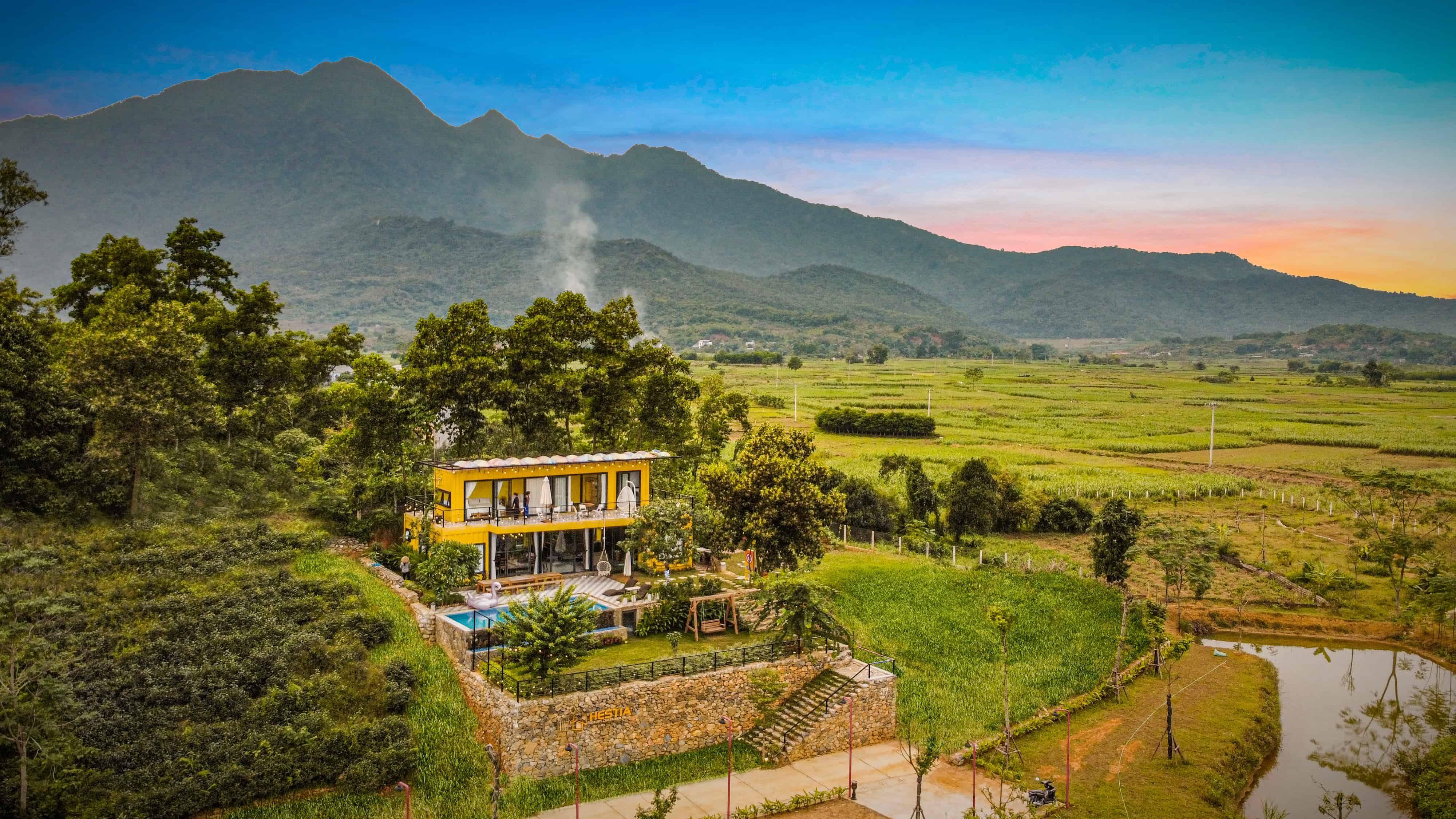 khong-gian-hestia-luxury-villa-homestay-ba-vi-ha-noi-01
