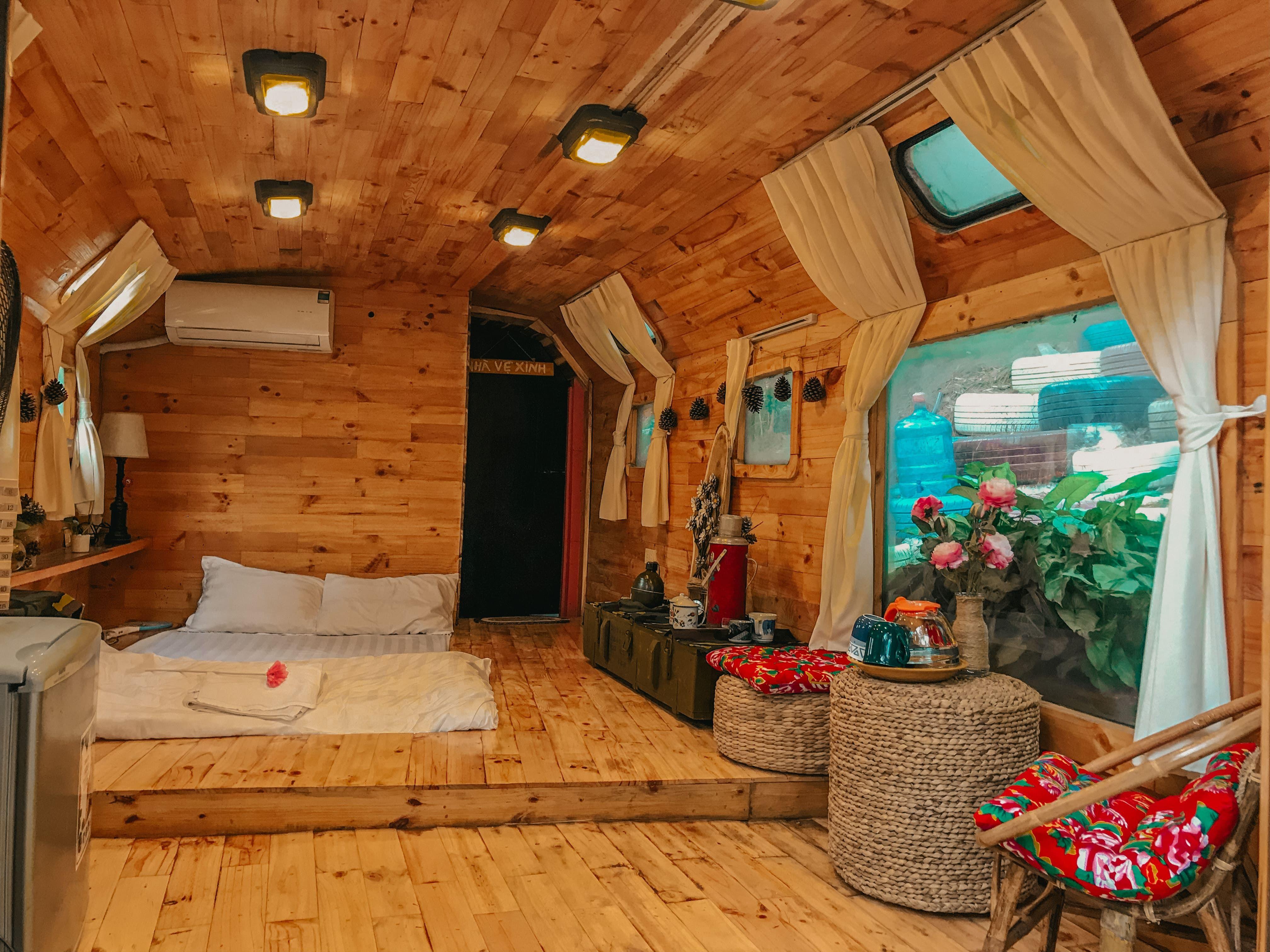 phong-ngu-nha-boongke-1-debay-villa-homestay-soc-son-ha-noi-01
