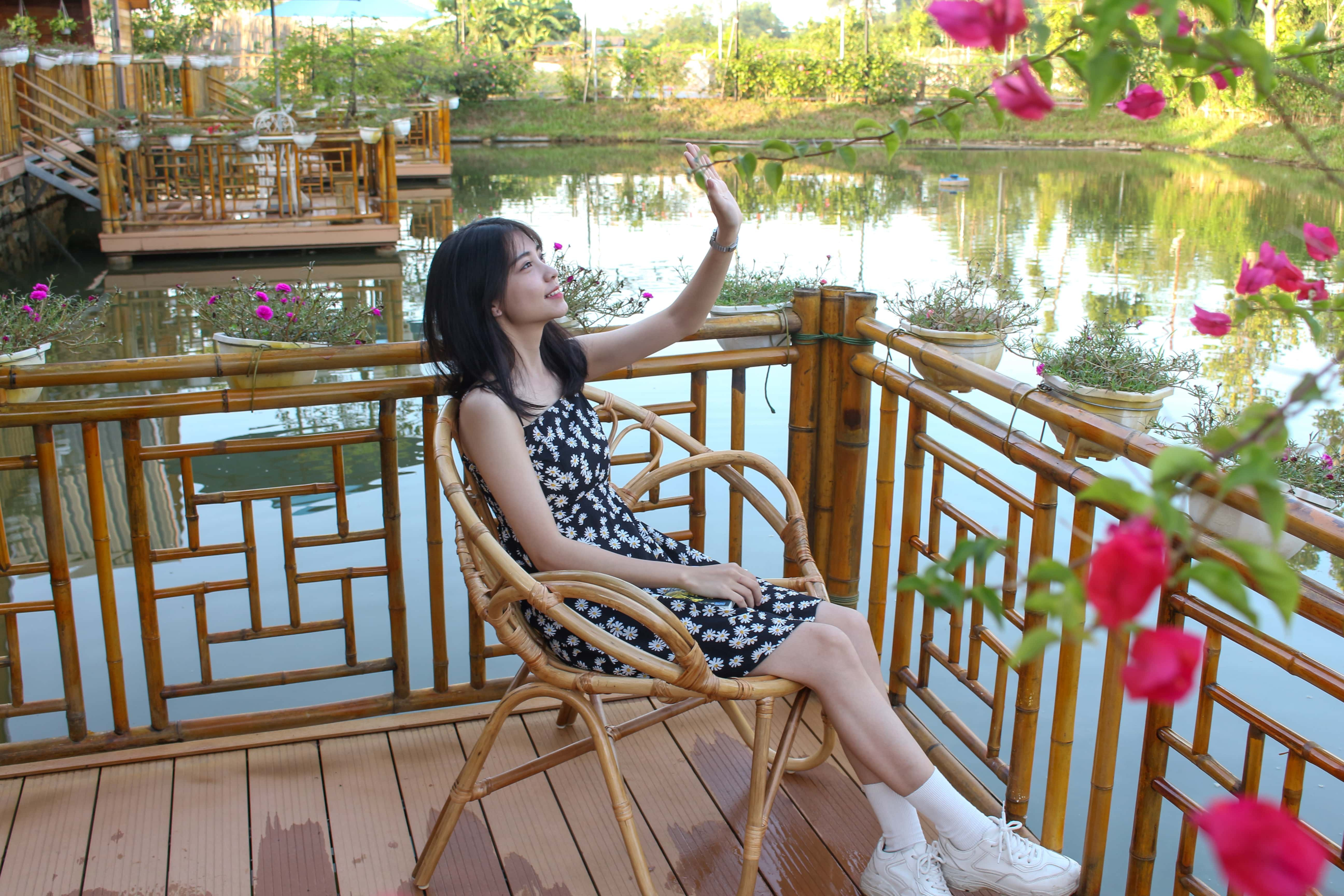 goc chup checkin bungalow lakeside ht garden homestay thach that ha noi