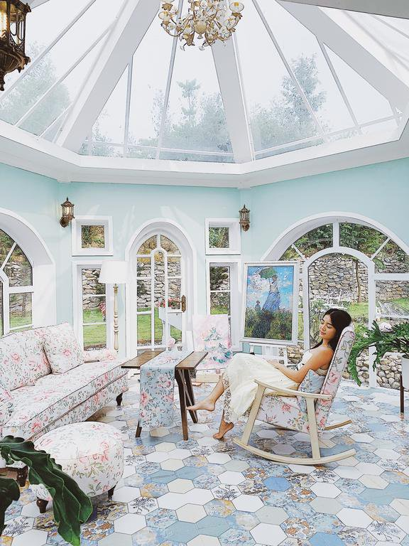 Anne Fleur Villa Hòa Bình
