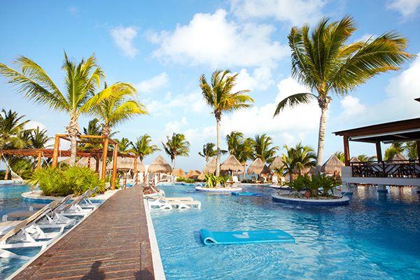 Top 10 khách sạn có hồ bơi sạch, đẹp tại Đà Nẵng