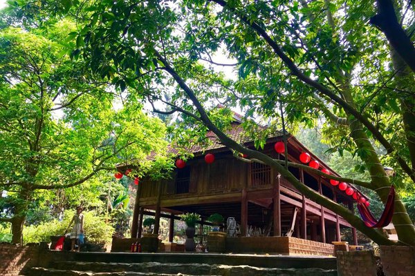 khong-gian-nha-san-ngoc-lan-pine-hill-villas-camping-homestay-soc-son-ha-noi-01