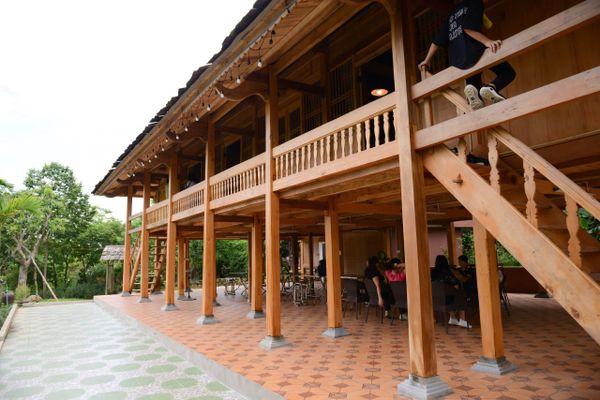 khong-gian-nha-san-thai-mely-farm-homestay-ba-vi-ha-noi-01