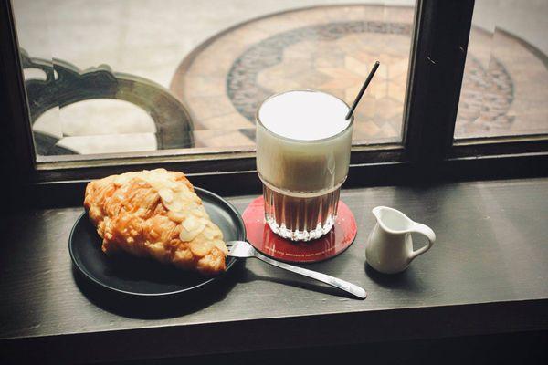 piccadilly coffee truong han sieu tran hung dao hoan kiem