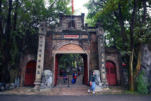 Việt Phủ Thành Chương - Vẻ đẹp văn hóa tâm linh