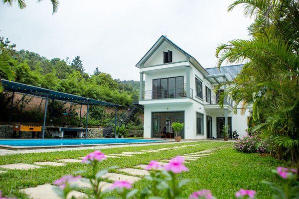 Rainbow Villa Sóc Sơn: Căn biệt thự sang trọng, tiện nghi ngập tràn màu sắc.
