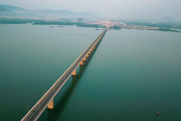 Cầu Nhơn Hội - Cây cầu vượt biển dài nhất Việt Nam