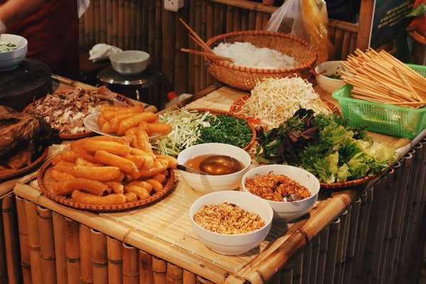 Oanh tạc Chợ Thành Công với 4 món ăn ngon trứ danh Hà Nội