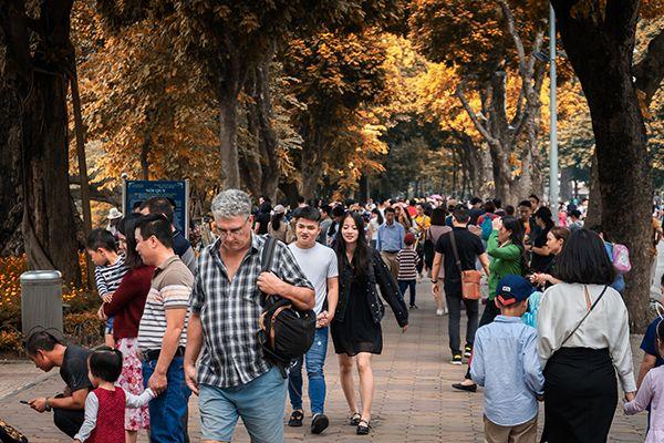 Phố đi bộ Hà Nội - Địa điểm hẹn hò lý tưởng cuối tuần