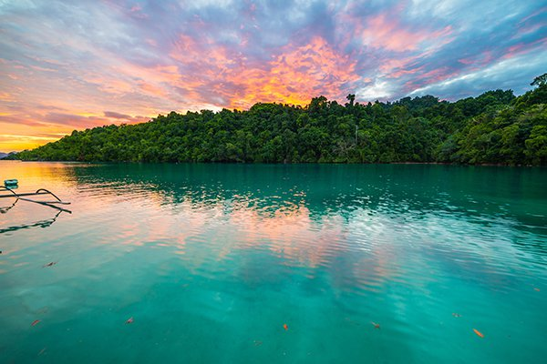 Top 8 địa điểm thiên nhiên tuyệt đẹp tại Kuching, Malaysia