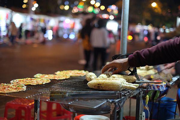 Top 10 quán ăn ngon nhận ship đồ ăn đêm Hà Nội