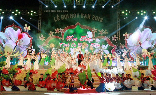 Lễ hội Hoa Ban tại Điện Biên thu hút rất đông du khách