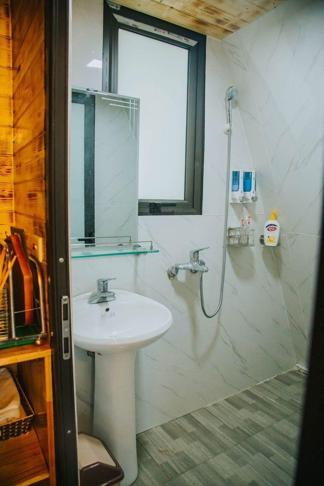 Nhà vệ sinh đầy đủ tiện nghi