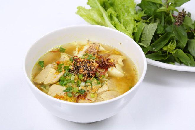 Nom banh chok (bún gánh cà ri cá)