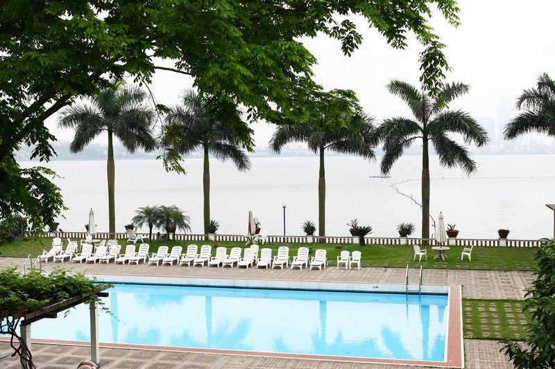 Bể bơi khách sạn Thắng Lợi