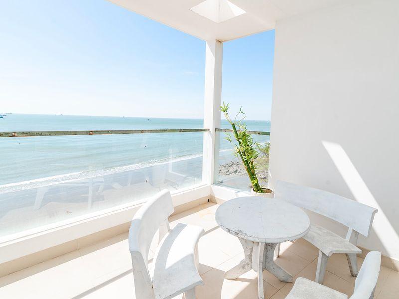 ban cong beachfront palm 22 villa vung tau