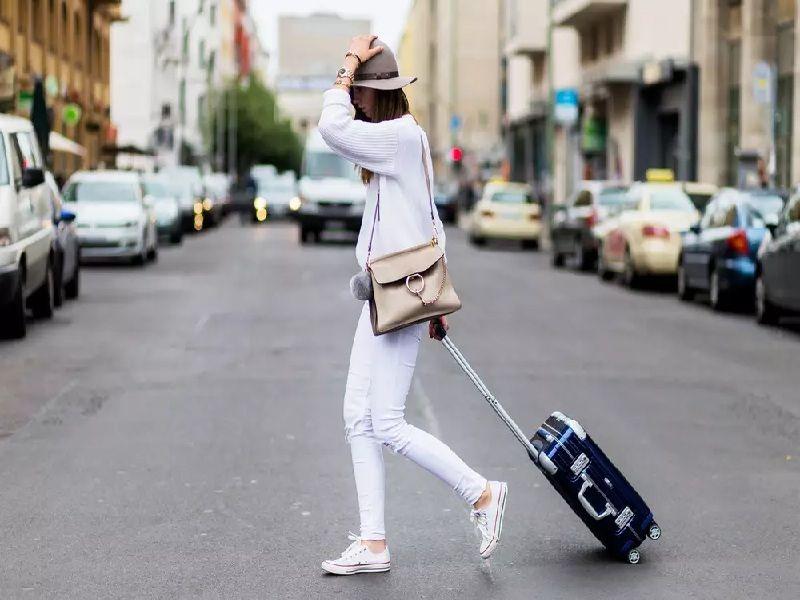 Bạn nên chuẩn bị trang phục thoải mái, rộng rãi để đi du lịch