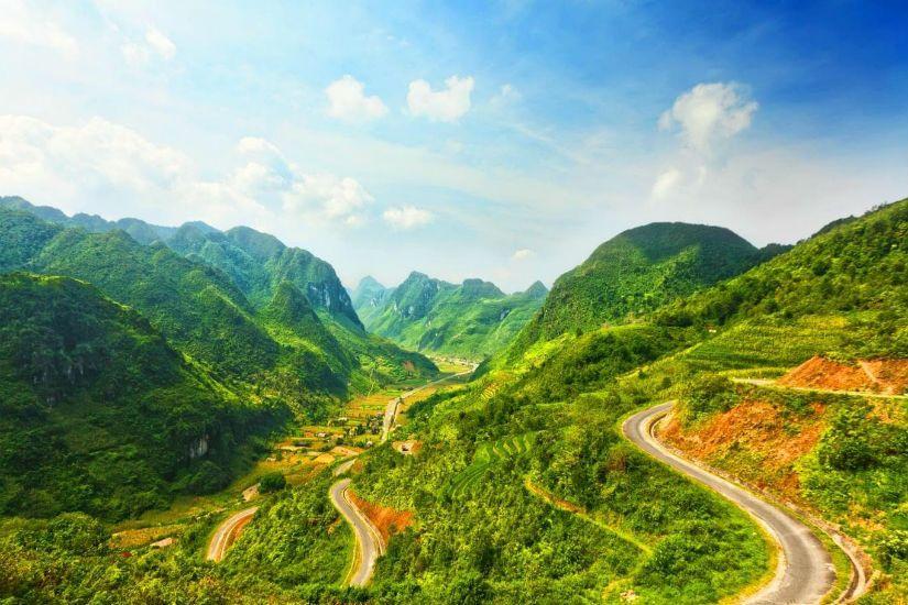 Chinh phục Đèo Pha Phin và đắm chìm trong vẻ đẹp hoang dã, kỳ vĩ của núi rừng