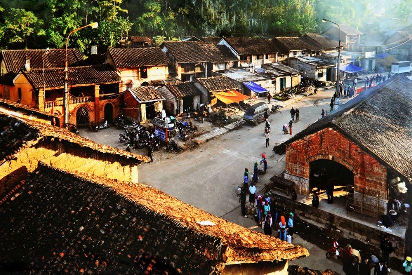 Chợ Đồng Văn nơi tập trung nhiều món ăn ngon của đất Hà Giang