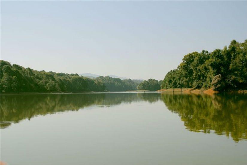 Hồ Pá Khoang - địa điểm du lịch Điện Biên lý tưởng