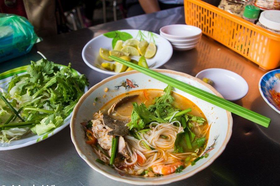 Ai có dịp vào Sài Gòn chơi thì không nên bỏ qua cơ hội thưởng thức hủ tiếu nha